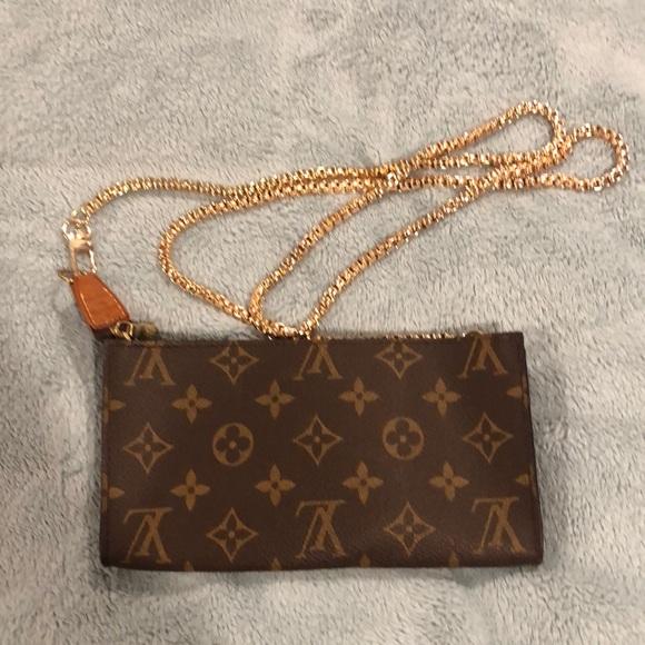 Louis Vuitton Handbags - AR0976 Louis Vuitton Bucket GM Pouch/Crossbody